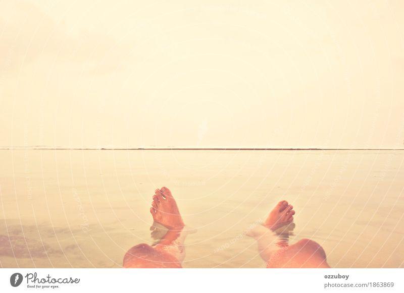 Natur Ferien & Urlaub & Reisen Jugendliche Sommer Wasser Meer Freude Strand 18-30 Jahre Erwachsene Leben Lifestyle Beine Freiheit Schwimmen & Baden Fuß