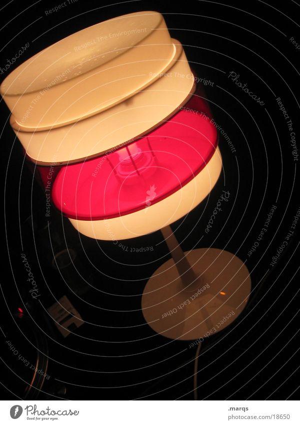 Stehlampe rot-weiss alt weiß rot retro Siebziger Jahre Fototechnik Stehlampe