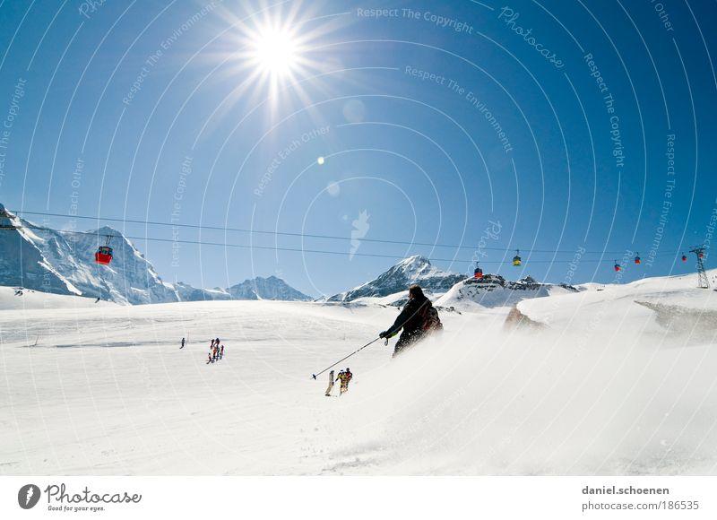 Selbstbildnis mit Jungfrau und Sonne Himmel Freude Winter Ferien & Urlaub & Reisen Sport Schnee Berge u. Gebirge Bewegung Glück Eis Gegenlicht Skifahren Frost Tourismus Freizeit & Hobby Klima