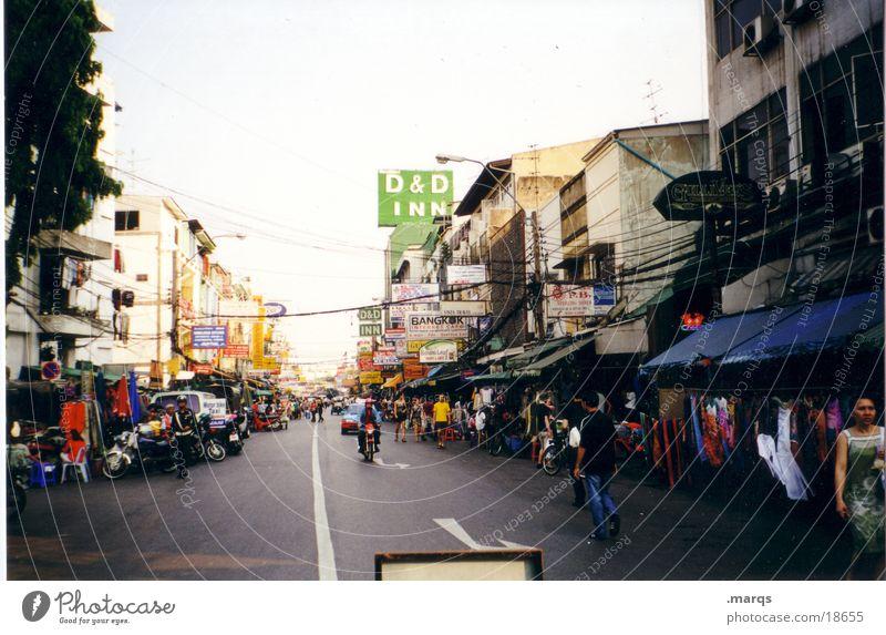 Kao San Road Mensch Ferien & Urlaub & Reisen Haus Schilder & Markierungen Erfolg Niveau Kleid Asien Werbung Tourist Thailand Symbole & Metaphern Fußgängerzone