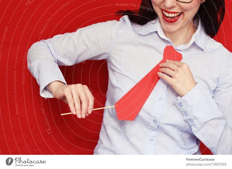 Business07 feminin Junge Frau Jugendliche Erwachsene 1 Mensch 18-30 Jahre 30-45 Jahre Geschäftsfrau Büroarbeit Krawatte maskulin bewerben Vorstellungsgespräch