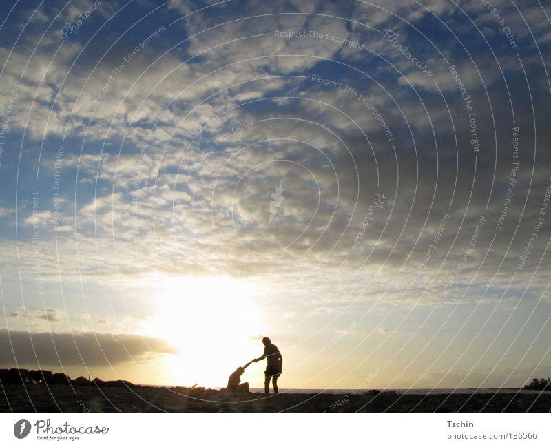 Zeit zu gehen Mensch Natur Himmel Sommer Strand Ferien & Urlaub & Reisen ruhig Wolken Ferne Freiheit Freundschaft Zufriedenheit Zusammensein Küste Sicherheit