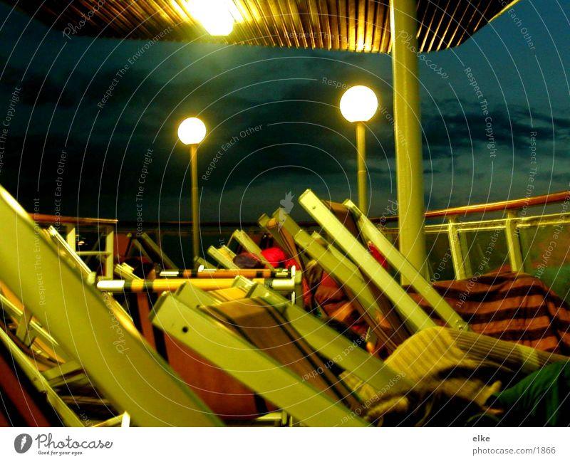 anbord Wasserfahrzeug Mensch Liegestuhl Licht Sonnenaufgang Schifffahrt Beleuchtung Himmel blau