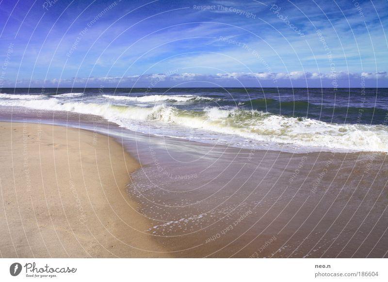 Ein Tag am Meer Natur Landschaft Sand Wasser Himmel Horizont Sonne Sonnenlicht Sommer Schönes Wetter Strand Nordsee Insel Sylt blau braun weiß Einsamkeit
