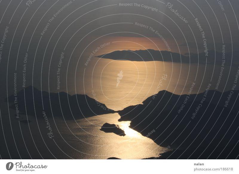 Alleine mit sich..... Traurigkeit Unendlichkeit Gipfel entdecken Schönes Wetter Sehenswürdigkeit Ölü Deniz