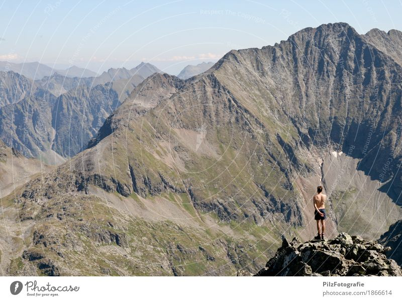 2618 Mensch Natur Ferien & Urlaub & Reisen Jugendliche Sommer Junger Mann ruhig 18-30 Jahre Berge u. Gebirge Erwachsene Freiheit Tourismus maskulin wandern