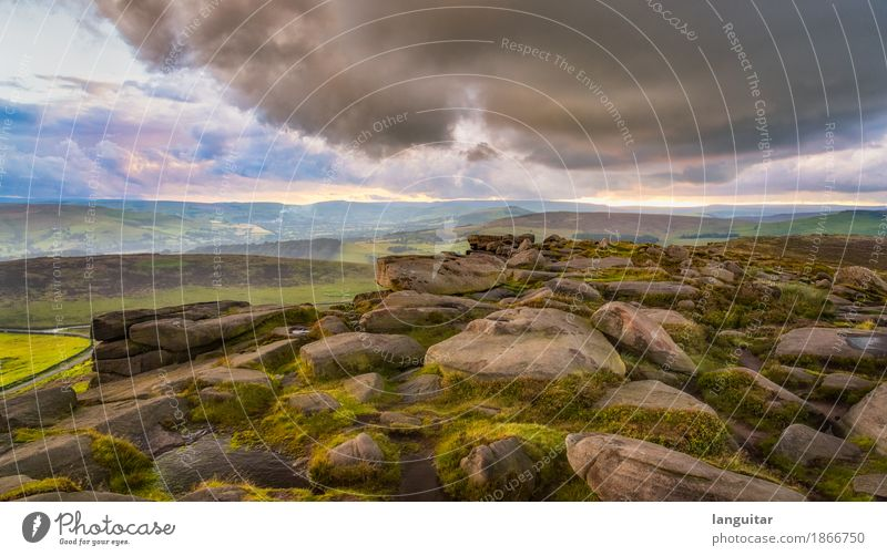 Bad weather ahead Himmel Natur Ferien & Urlaub & Reisen grün Landschaft Wolken Berge u. Gebirge Stein Stimmung Felsen rosa Regen Horizont träumen frei Wetter
