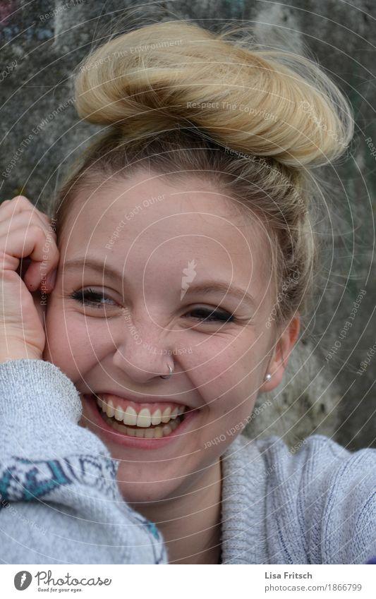 ..und die Sonne geht auf Jugendliche schön Junge Frau 18-30 Jahre Erwachsene Leben lustig Gesundheit feminin lachen Glück Mode Haare & Frisuren leuchten blond