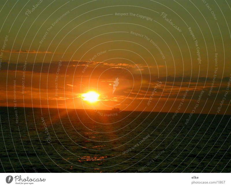 sonnenaufgang Sonne Meer Wasserfahrzeug