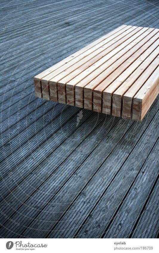 Brett und Bettfast alt Baum Ferne Erholung Holz grau braun elegant Ordnung Platz liegen Design modern ästhetisch neu Bodenbelag