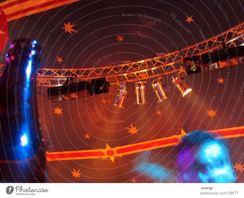 Zeltfunke Stern (Symbol) Party Musik Musikfestival mehrfarbig rot blau Scheinwerfer Zirkuszelt Fototechnik