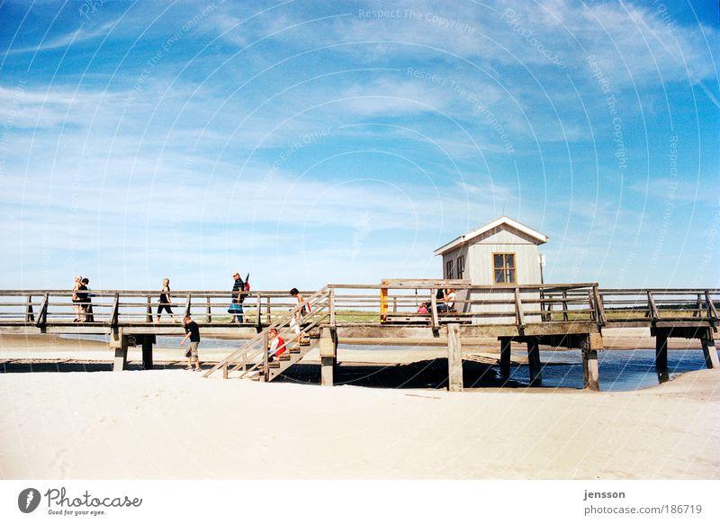 142705 Ferien & Urlaub & Reisen Sommer Sommerurlaub Strand Sand Himmel Wolken Erholung Fernweh Freizeit & Hobby St. Peter-Ording Brücke Farbfoto Außenaufnahme