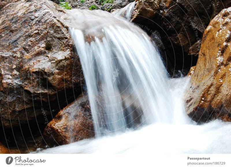 Float on Natur Wasser weiß blau Ferien & Urlaub & Reisen Freiheit Herbst Berge u. Gebirge Landschaft Umwelt Stimmung braun Erde nass Ausflug Felsen