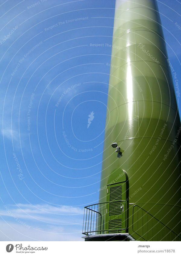 sorry, we´re closed Himmel grün blau Tür Industrie Treppe Windkraftanlage Geländer Strommast Farbverlauf