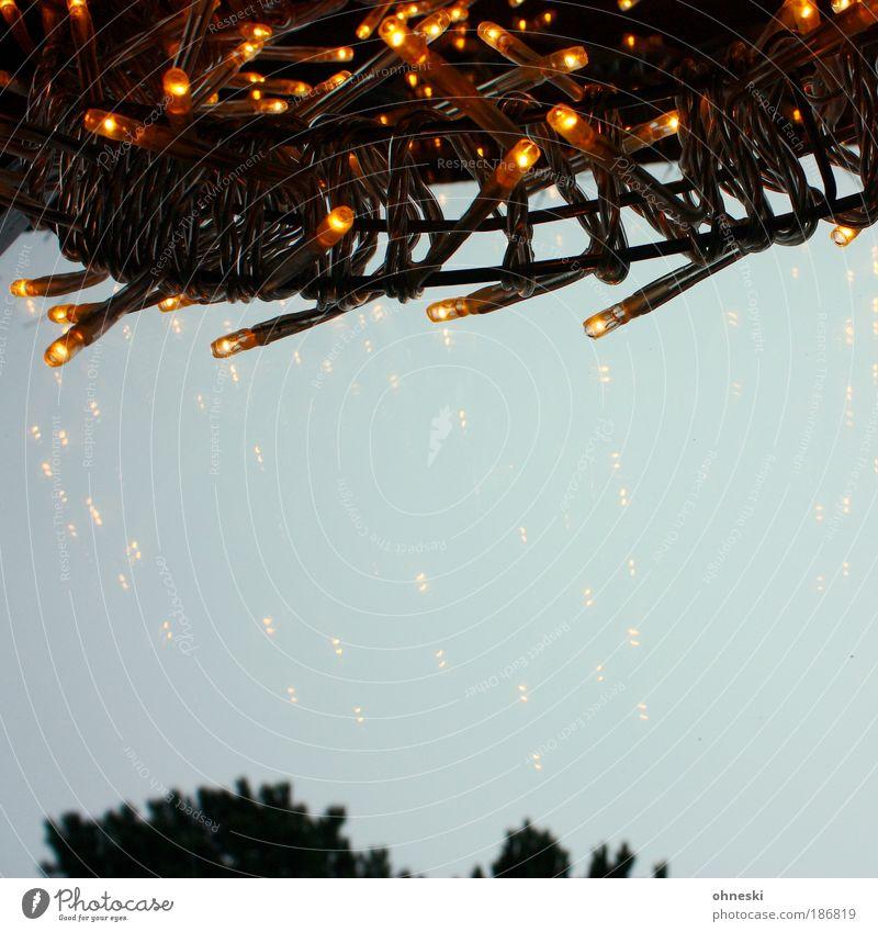 Noch 15 Tage Häusliches Leben Wohnung einrichten Innenarchitektur Dekoration & Verzierung Feste & Feiern gold Fenster Fensterscheibe Kranz Glühdraht Farbfoto