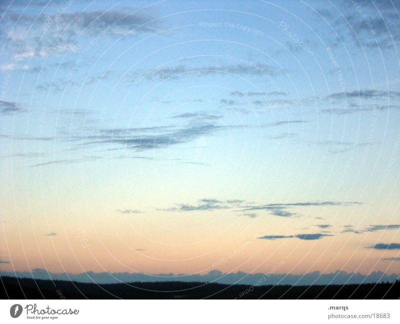Schönen Abend noch Dämmerung Horizont Schwarzwald Wolken Silhouette Ferne Farbverlauf Sehnsucht träumen Aussicht Berge u. Gebirge Himmel Abenddämmerung marqs