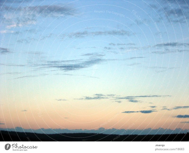 Schönen Abend noch Himmel Wolken Ferne Berge u. Gebirge träumen Horizont Aussicht Sehnsucht Abenddämmerung Schwarzwald Farbverlauf