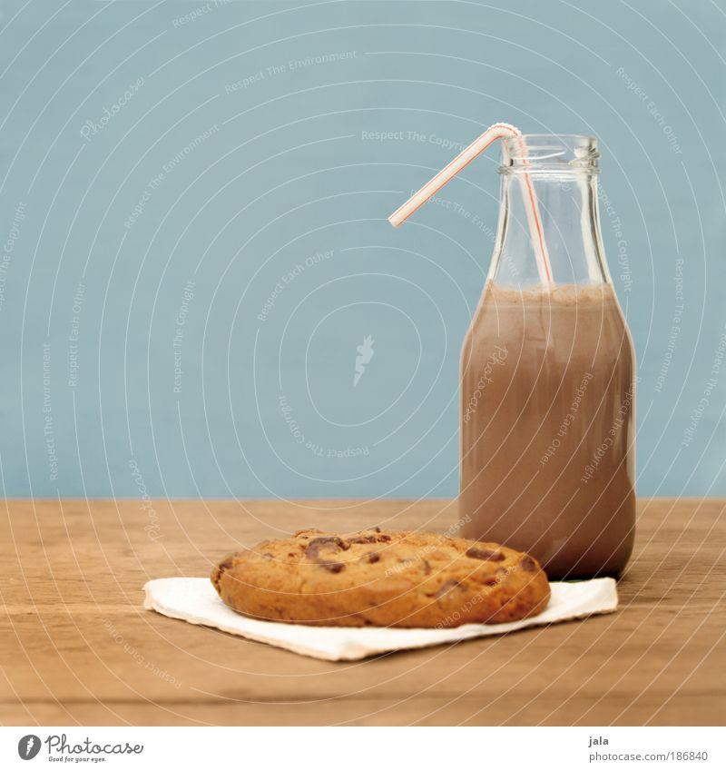 Schokoladig blau Ernährung Holz Lebensmittel braun Tisch Getränk süß Süßwaren lecker Frühstück Flasche Schokolade Backwaren Keks Teigwaren