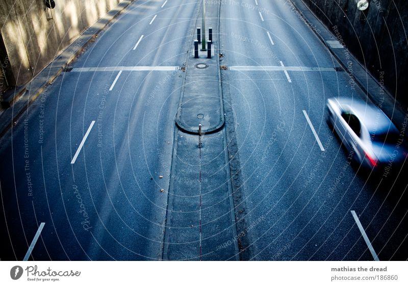 ZIELEINLAUF Einsamkeit Straße kalt dunkel grau PKW Verkehr Geschwindigkeit Brücke trist Asphalt Spuren Autobahn Verkehrswege Tunnel Fahrzeug