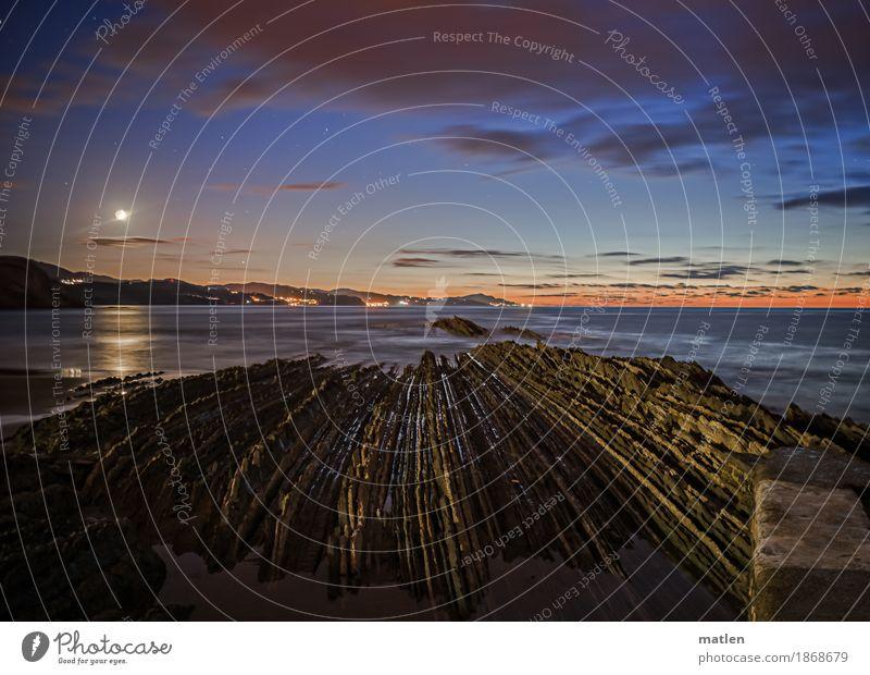 Sommernacht Umwelt Natur Landschaft Horizont Vollmond Schönes Wetter Wellen Küste Strand Meer leuchten dunkel gigantisch Spitze blau braun orange weiß Flysch