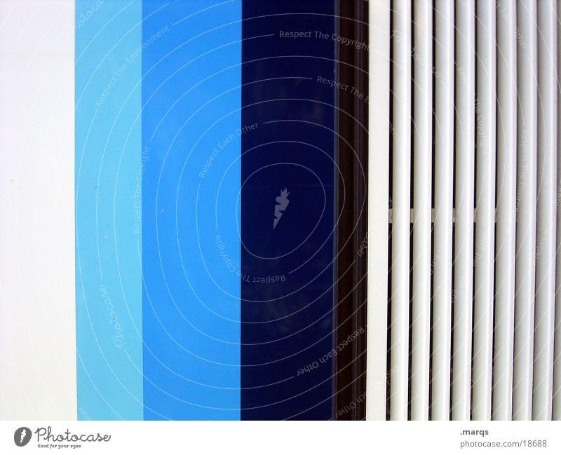 Vertical|Blue weiß blau Linie Streifen obskur türkis gestreift Fototechnik Farbverlauf hell-blau Abstufung