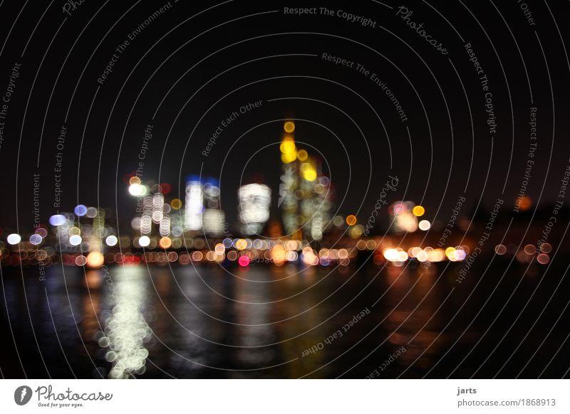 großstadtlichter Fluss Frankfurt am Main Stadt Stadtzentrum Skyline Haus Hochhaus Bankgebäude leuchten fantastisch modern Reichtum Häusliches Leben Großstadt
