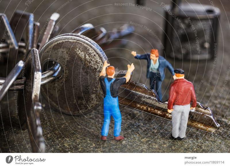 Miniwelten - Streit um einen Schlüssel Arbeit & Erwerbstätigkeit Handwerker Arbeitsplatz Baustelle Dienstleistungsgewerbe sprechen Team Mensch maskulin 3 blau