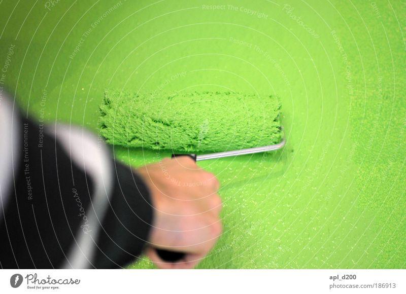 Zweiter Anstrich Mensch maskulin Arme Hand 1 Kunst Künstler Maler Mauer Wand streichen authentisch außergewöhnlich grün schwarz weiß Freude ästhetisch Klima