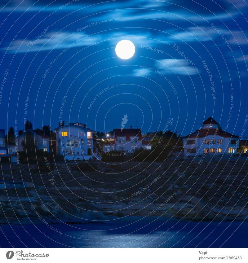 Mond über dem Fluss bei der Stadt Himmel Natur Ferien & Urlaub & Reisen blau Wasser weiß Landschaft Wolken Haus Fenster dunkel schwarz Umwelt Architektur gelb