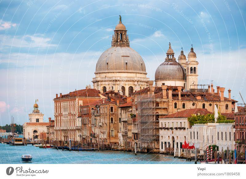 Grand Canal und Basilika Santa Maria in Venedig Ferien & Urlaub & Reisen Tourismus Sightseeing Städtereise Sommer Sommerurlaub Insel Wellen Haus Wasser Himmel