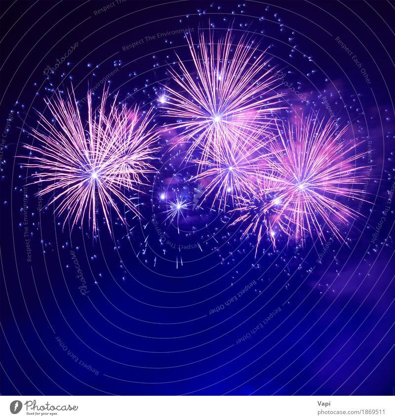 Blaues buntes Feuerwerk Himmel blau Weihnachten & Advent Farbe weiß rot Freude dunkel schwarz Kunst Freiheit Feste & Feiern Party rosa hell Stern