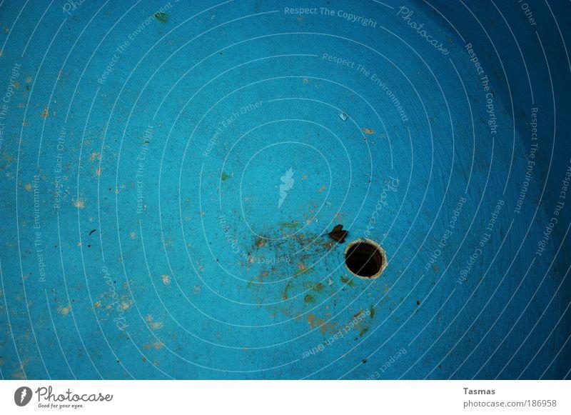 Abfluss der Ozeane Wasser Meer blau dreckig leer Vergänglichkeit Erwartung Abfluss Ausgang ungewiss azurblau ausgelaufen