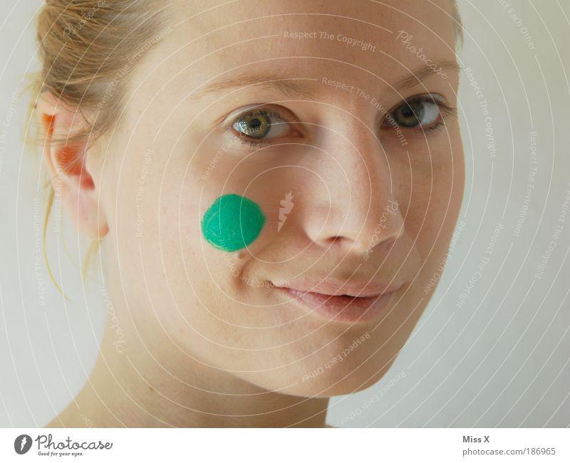 Der grüne Punkt Mensch Jugendliche schön Frau Gesicht Auge feminin Porträt Haare & Frisuren Kopf Erwachsene Umwelt Zukunft mehrfarbig