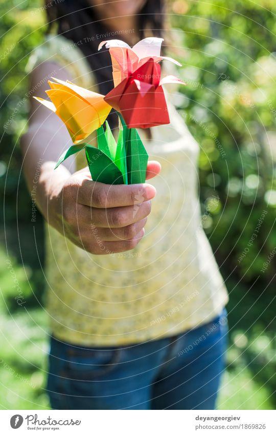 Frauengriffblumenstrauß von Origamiblumen Design Dekoration & Verzierung Handwerk Kunst Natur Blume Tulpe Papier Blumenstrauß gelb rosa rot weiß Farbe