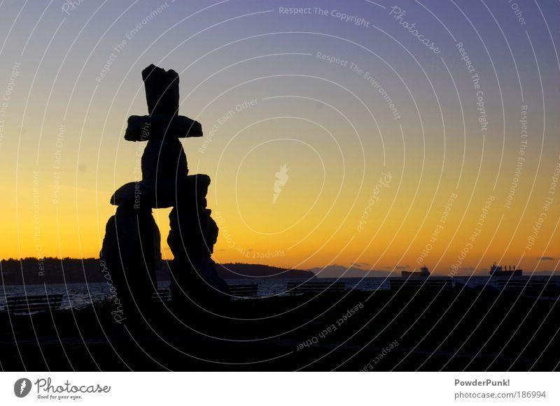 Inukshuk VAN2010 Ferien & Urlaub & Reisen blau Sommer Meer Ferne Strand Berge u. Gebirge gelb Stimmung Zufriedenheit Tourismus elegant frei ästhetisch Fröhlichkeit Lebensfreude