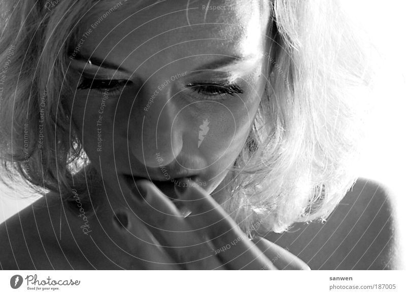m. Mensch Jugendliche Hand schön Gesicht Auge feminin Gefühle Haare & Frisuren Kopf Junge Frau blond elegant Mund Nase ästhetisch
