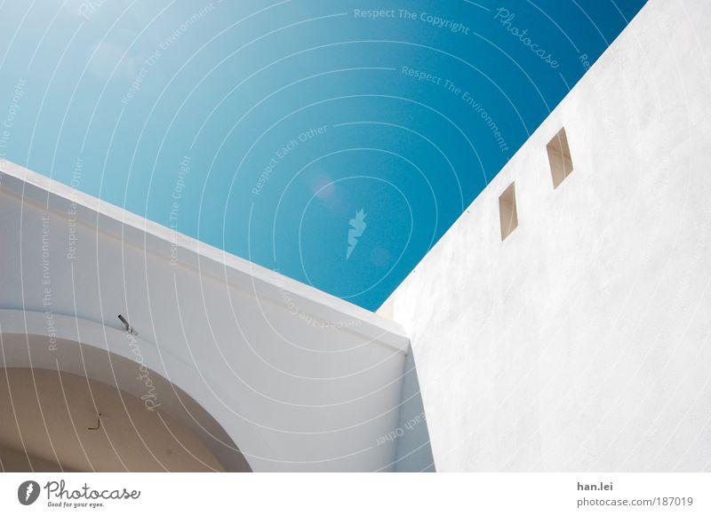 simple 2 Himmel weiß blau Ferien & Urlaub & Reisen Haus Wand Fenster Stein Fassade Eingang Schönes Wetter Torbogen Bogen Sommerurlaub