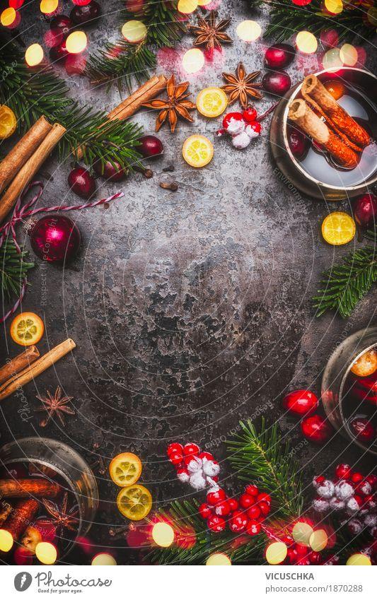 Glühwein und Gewürze Zutaten mit Weihnachtsdekoration Lebensmittel Frucht Kräuter & Gewürze Getränk Heißgetränk Topf Tasse Stil Design Winter Tisch Party