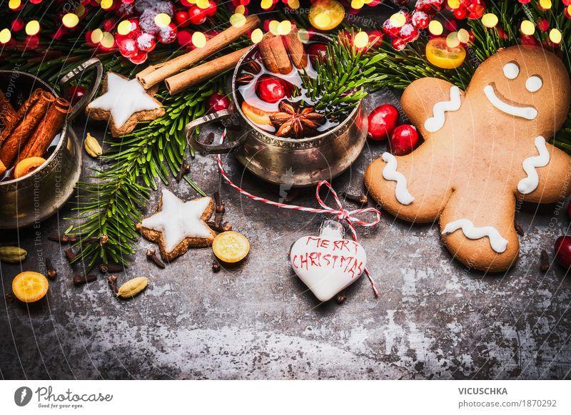 Lebkuchenmann mit Glühwein, Weihnachtsdekoration und Plätzchen Teigwaren Backwaren Süßwaren Getränk Tasse Stil Design Winter Häusliches Leben
