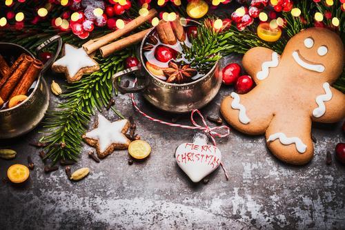 Lebkuchenmann mit Glühwein, Weihnachtsdekoration und Plätzchen Weihnachten & Advent Freude Winter Beleuchtung Stil Feste & Feiern Stimmung Design