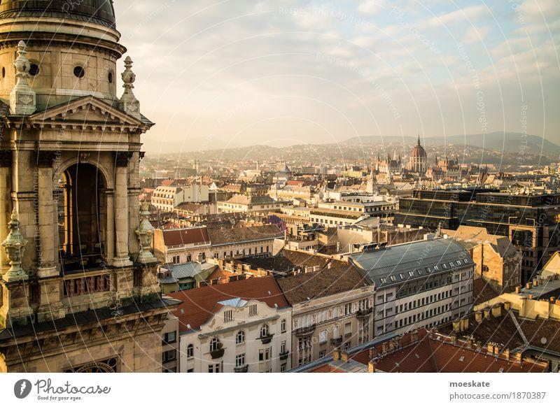 St Stephan Basilika Budapest Stadt Hauptstadt Stadtzentrum Altstadt Skyline bevölkert Haus Kirche Dom Bauwerk Gebäude Architektur Fassade Sehenswürdigkeit