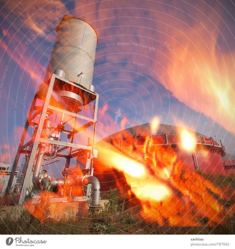 112 rot Brand Energiewirtschaft Zukunft bedrohlich Turm heiß Sonnenenergie brennen chaotisch Unfall Doppelbelichtung Umweltverschmutzung Klimawandel Feuerwehr