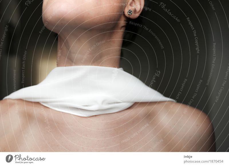 Tuch Mensch Frau schön weiß Erwachsene Leben feminin Stil elegant Stoff dünn Hals beige Schal Braut