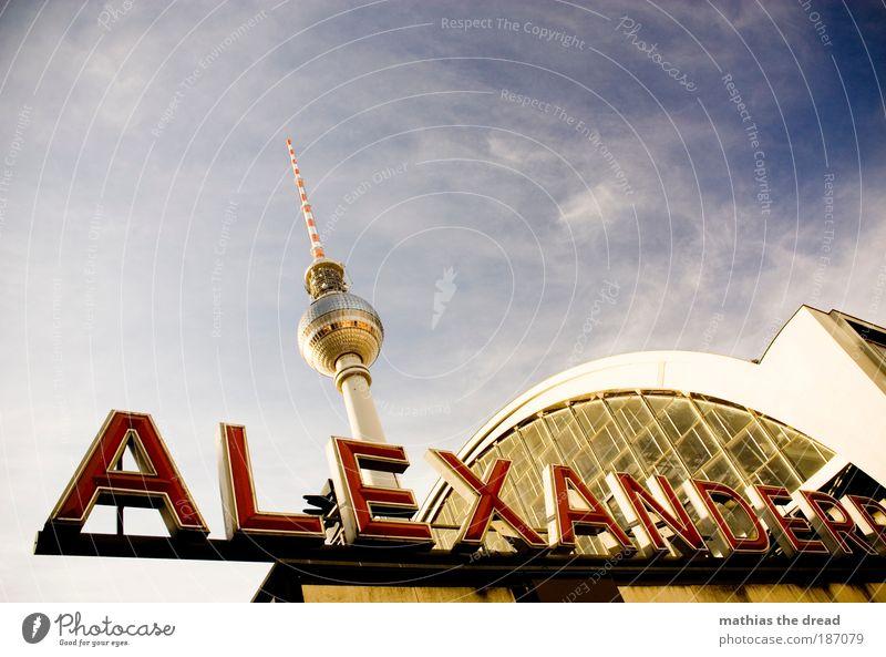 ALEXANDER Stadt Wolken Berlin Fenster Architektur hoch Fassade rund Schriftzeichen Natur Spitze Zeichen Skyline Bahnhof Stadtzentrum