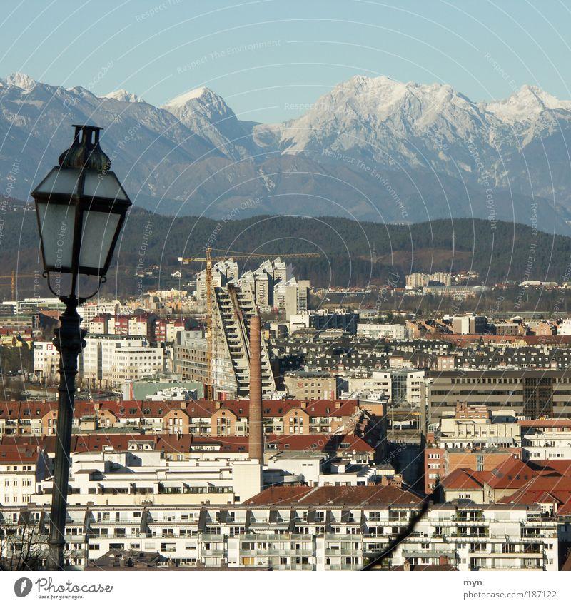 Ljubljana Stadt Winter Ferien & Urlaub & Reisen Ferne Schnee Berge u. Gebirge Park Gebäude Landschaft Europa Tourismus Alpen Dorf Gipfel Skyline