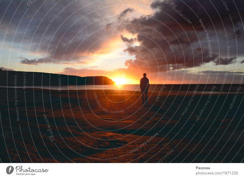 Guter Morgen Mensch Himmel Natur schön Wasser Meer Landschaft Strand Küste Glück außergewöhnlich Felsen Horizont Zufriedenheit genießen Zukunft