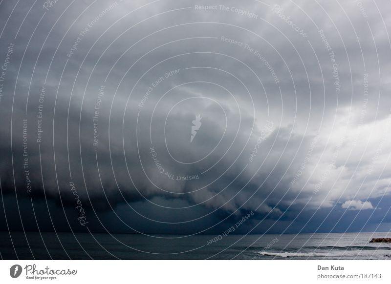 Au Backe! Natur Wasser Meer blau Sommer dunkel grau Wärme Regen Küste Wind Wetter bedrohlich Wolken Wut Sturm