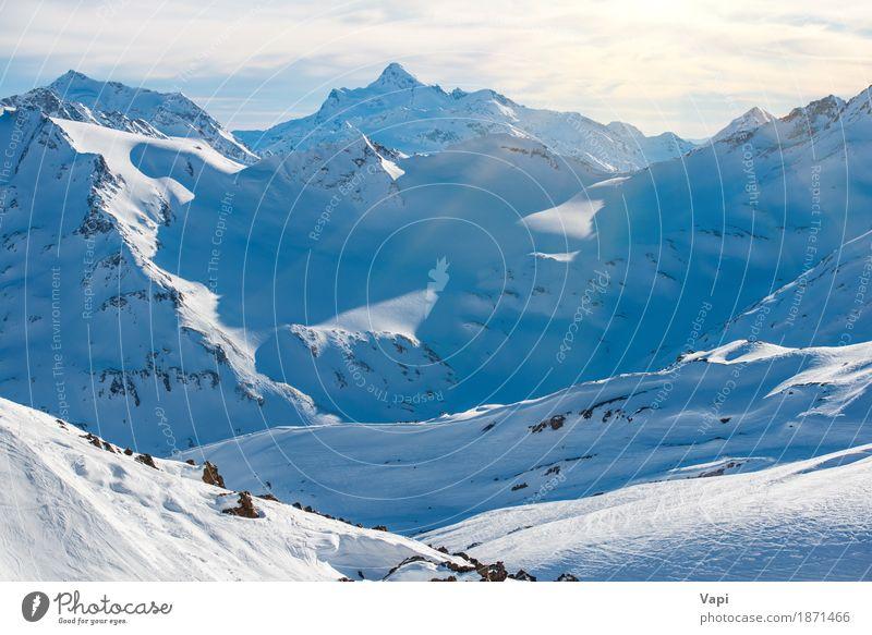 Blaue Berge Snowy in den Wolken Ferien & Urlaub & Reisen Tourismus Abenteuer Winter Schnee Winterurlaub Berge u. Gebirge Klettern Bergsteigen Skier Natur