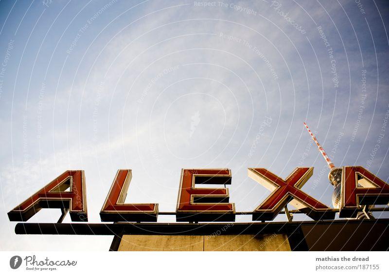 VERSTECKSPIELEN Himmel Stadt Wolken Berlin Gebäude Architektur Schilder & Markierungen hoch Schriftzeichen Zeichen Skyline Bauwerk Bahnhof Wahrzeichen