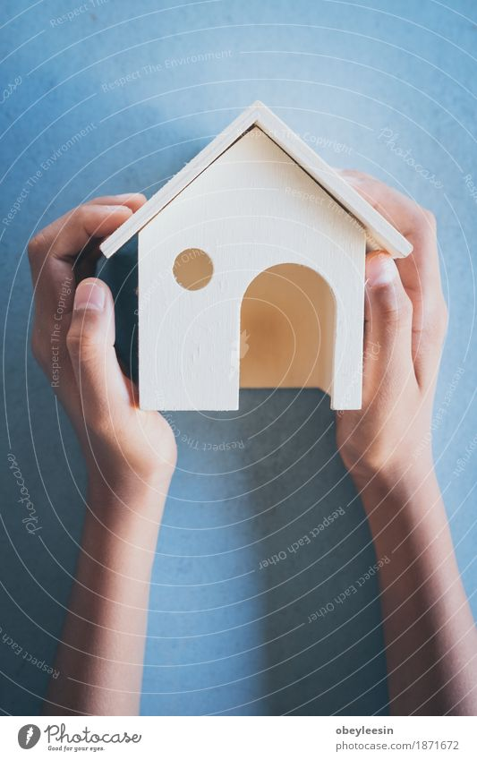 Haus Holz, Junge Traum braucht Haus in der Zukunft Lifestyle Stil Kunst Abenteuer Künstler Hausbau